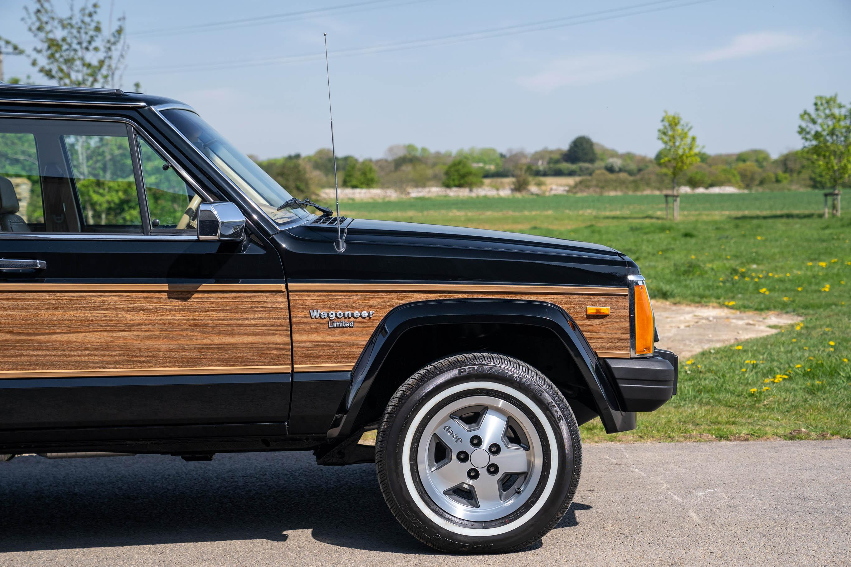 Jeep XJ Wagoneer Limited 1989